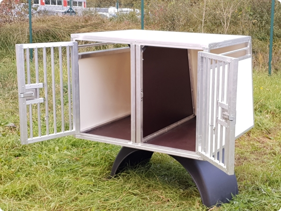 Transport car boxes for dogs