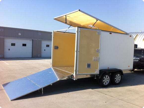 Box trailers and superstructures